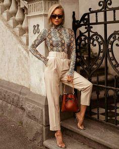 BLUSA COM ESTAMPA DE COBRA COM CALÇA DE ALFAIATARIA E SANDÁLIA TRANSPARENTE - @zara_internacional - #estampadecobra #calcadealfaiataria #sandaliatransparente #moda #estilo #tendência #fashion #fashionblog #modafeminina #streetstyle #streetfashion #streetwear #modaderua #estiloderua #outfitt #ootd #outfitoftheday #outfitideas #outfits #looks #lookoftheday #lookdodia #look #GostoDisto