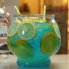 POOL PARTY PUNCH 1 Part Vodka 2 Parts Lemonade Splash Blue curaçao Lemon Wheels Orange Wedges Ice PREPARATION 1. Add ice to punch bowl and drop in lemon wheels and orange wedges. 2. Add vodka and lemonade before drizzling in blue curaçao. DRINK RESPONSIBLY!
