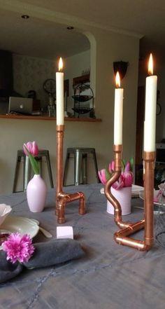 Fertig sind die ganz persönlichen Kupferrohr-Kerzenständer.