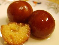 Indian traditional and healthy Mithai, sweets for dessert, from Rajasthan :Rajasthani Gulab Jamun Indian Dessert Recipes, Indian Sweets, Indian Snacks, Indian Foods, Indian Recipes, Milk Powder Gulab Jamun Recipe, Milk Powder Recipe, Waffle Recipes, Milk Recipes
