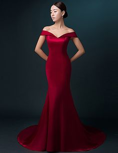 Formal Evening Dress Trumpet / Mermaid Off-the-shoulder Sweep / Brush Train Satin with Pleats 5028345 2016 – $119.99