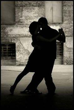 Pour la plupart, le problème essentiel de l'amour est d'être aimé plutôt que d'aimer, d'être capable d'amour...N est ce pas ma jolie???