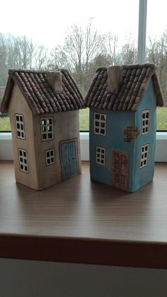 Domečky - Hobbies paining body for kids and adult Fairy House Crafts, Doll House Crafts, Homemade Polymer Clay, Diy Clay, Clay Houses, Ceramic Houses, Pottery Sculpture, Sculpture Clay, Ceramic Lantern