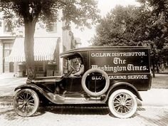 Washington Times Newspaper Truck Photograph (Art Prints, Wood & Metal Signs, Canvas, Tote Bag, Towel) – Cars is Art 1920s Photos, Vintage Photos, Vintage Ideas, Vintage Designs, Old Pictures, Old Photos, The Washington Times, Washington Dc, Times Newspaper