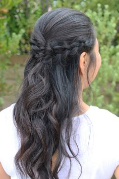 My new favorite hair style, half up braids. Super simple yet makes you look put together, who wouldn't want that?