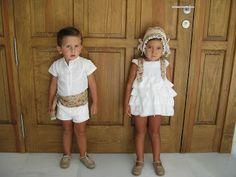 Flower children. Pajes de boda. Más Ring Boy, Page Boy, Rings For Girls, Bridesmaid Dresses, Wedding Dresses, Little People, Summer Girls, Perfect Wedding, Wedding Details