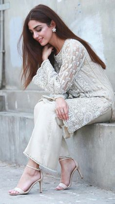 Casual Indian Fashion, Pakistani Fashion Party Wear, Indian Fashion Dresses, Dress Indian Style, Indian Designer Outfits, Abaya Style, Simple Pakistani Dresses, Pakistani Bridal Dresses, Pakistani Dress Design
