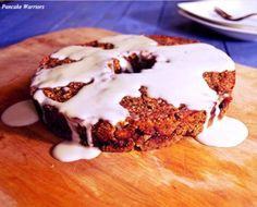 Filled with oats quinoa hemp and apples this vegan gluten free cake is perfect for breakfast, brunch or dessert Fall Desserts, Healthy Desserts, Dessert Recipes, Vegan Baking, Healthy Baking, Apple Cinnamon Cake, Cupcakes, Vegan Cake, Vegan Dishes