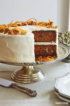 Advanced version of carrot cake: two layers, cream cheese frosting and subtle decoration!
