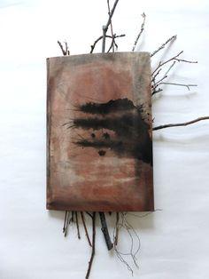 book cover with twigs, wire, yarn, paint.  Geschichte, dazwischen. Buchdeckel, Zweige, Draht, Garn, Farbe