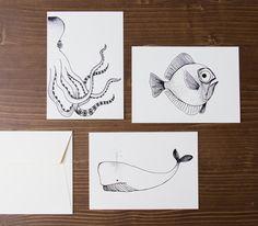 Nous avons le plaisir de vous proposer les cartes de l'illustratrice Stéphanoise : Rugiada Petrelli. Elle est d'origine hollandaise de père italien et de mère allemande, un beau mélange qui l'influence dans ses créations.