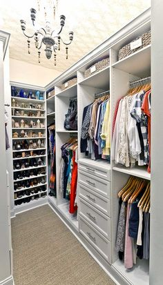 Distinctive closet layout ideas will surely offer help to create the most of your own closet space appropriately. A super closet layout is probably the 1 route in the management of great storage space. Instead, if you would like your… Continue Reading → Master Closet Design, Master Bedroom Closet, Wardrobe Design, Small Master Closet, Small Walk In Closet Ideas, Master Closet Layout, Bedroom Art, Master Suite, Best Closet Organization