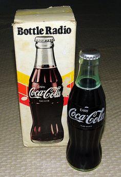 Vintage Coca-Cola Bottle Novelty Radio, Made in Hong Kong.