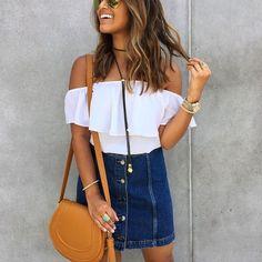 Outfits con faldas de mezclilla para el verano 2017 http://beautyandfashionideas.com/outfits-faldas-mezclilla-verano-2017/ #Fashion #fashionoutfits #Fashiontips #fashiontrends #Outfits #Outfitsconfaldasdemezclillaparaelverano2017 #Tipsdemoda
