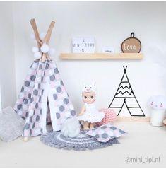 Pretty Little Minis - modern dollhouse furniture and decor for sale Modern Dollhouse Furniture, Miniature Furniture, Diy Furniture, Diy Doll Teepee, Ikea Makeover, Dollhouse Ideas, Modern Wall Decor, Doll Stuff, Diy Toys