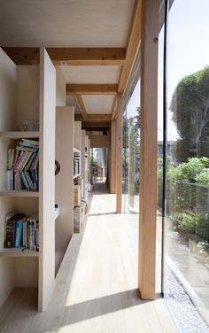 Teppei Fujiwara's Glass-Clad Small House in Tokyo - hallway