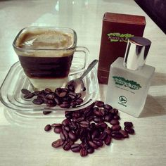 #Repost @dekiabda_23  Masih ragu dengan keharuman parfum khas Aceh ? Wangi kopinya sungguh menggoda  . #minyeukpret #ParfumAsli  #ParfumBranded  #coffee  #coffeetime  #parfumkopi