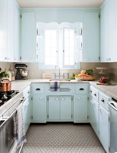 A SMALL AND CHARACTER KITCHEN / A TINY KITCHEN   from my window   blog and decorative objects  