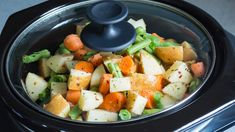 16 Healthy Slow-Cooker Suppers to Savor   These slow-cooker recipes are hot and healthy one-pot meals that are worth the wait.