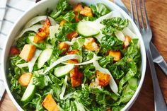 Recipe: Weeknight Winter Salad — Recipes from The Kitchn Salad With Sweet Potato, Roasted Sweet Potatoes, Potato Salad, Mashed Potatoes, Healthy Cat Treats, Healthy Recipes, Healthy Meals, Vegetarian Recipes, Soups