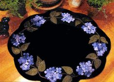 Blue Hydrangea Table Mat Wool Applique Fabric Kit and Pattern - x Penny Rug Patterns, Crochet Motif Patterns, Wool Applique Patterns, Felt Applique, Felt Patterns, Quilting Patterns, Wool Quilts, Wool Applique Quilts, Appliqué Quilts