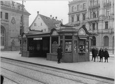 Das Tramwartegebäude am Paradeplatz,