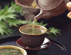 Te och kaffe dricks över hela världen och odlas främst på Pärlöarna, norra Astkir, Valastra, Talamna och Alista.
