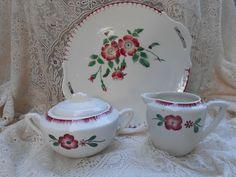 Jolis sucriers et pot à lait à fleurs Digoin Domino