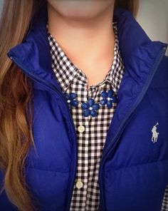 Outfit Ideas with Puffy Vest: Navy vest, black checked shirt, white undershirt, and statement necklace Winter Dress Outfits, Preppy Outfits, Fall Winter Outfits, Autumn Winter Fashion, Cute Outfits, Dress Winter, Vest Outfits, Winter Clothes, Summer Clothes
