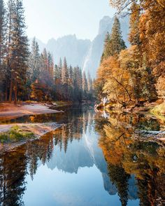 ✿ ❤ Yosemite National Park is an American national parklocated in the western Sierra Nevada of Central California, 🌎 Arches Nationalpark, Yellowstone Nationalpark, Great Smoky Mountains, Beautiful World, Beautiful Places, Wonderful Places, Mammoth Cave, Autumn Scenery, North Cascades