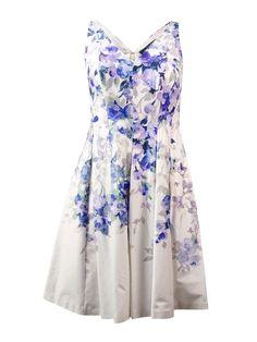 - RALPH LAUREN - 98% Cotton/2% Elastane - Full lining: 80% Polyester/20% Cotton - Concealed back zipper - V-neck and back - Printed cotton blend fabric - Sleeveless - Country of Origin: Sri Lanka Dres