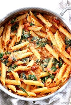 Creamy Tomato and Spinach Pasta is hella dope. Add mushrooms obviously. Add some more spice Creamy Tomato and Spinach Pasta is hella dope. Add mushrooms obviously. Add some more spice, Easy Healthy Recipes, Lunch Recipes, Vegetable Recipes, Easy Dinner Recipes, Seafood Recipes, Pasta Recipes, Appetizer Recipes, Easy Meals, Tomato Appetizers
