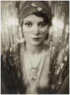 Studio Manassé- Gry Doresku, 1928