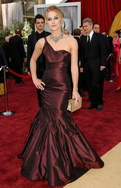 Kiera Knightley in Vera Wang at the Oscars in 2006.