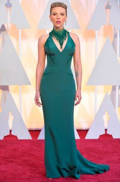 The mother-of-one looked stunning in a green Versace gown. Scarlett Johansson.
