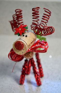 Wine Cork Reindeer Ornament by TheCorkForest on Etsy Easy Christmas Crafts, Diy Christmas Ornaments, Homemade Christmas, Christmas Projects, Christmas Holidays, Christmas Decorations, Wine Cork Projects, Wine Cork Crafts, Wine Cork Ornaments