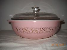 Pyrex Rare Pink Duchess Casserole and Lid- holy grail Antique Dishes, Vintage Dishes, Vintage Pyrex, Vintage Kitchenware, Vintage Glassware, Pyrex Display, Pink Pyrex, Rare Pyrex, Pyrex Bowls