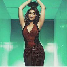 Parineeti Chopra Beautiful Girl Indian, Beautiful Gorgeous, Kareena Kapoor Saree, Parneeti Chopra, Desi Girl Image, Saree Backless, Indian Models, Indian Celebrities, South Indian Actress