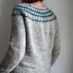 Gamaldags | pattern Hélène Magnusson #knittersofinstagram #instaknit #knittingisthenewyoga #lopapeysa #lopi #gamaldags #helenemagnusson Pullover, Knitting, Instagram Posts, Stitches, Fashion, Tricot, Moda, Stitching, Fashion Styles