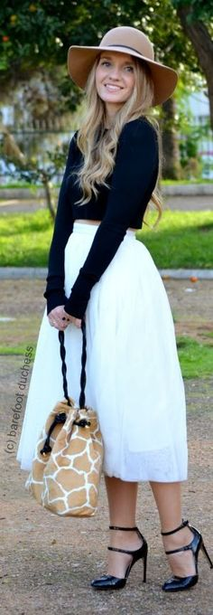 Love the navy crop & white long skirt combo! So cute!!