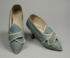 Women's shoes, figured silk lined with linen and bound with silk ribbon with leather heel cover, leather sole, c. 1775-85, English.