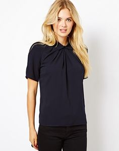 Image 1 ofCloset Pleated Blouse with Collar