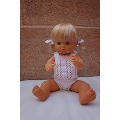 Body de hilo realizado a mano para Nenuco tradicional Knitting Dolls Clothes, Knitted Dolls, Doll Clothes, Knit Or Crochet, Crochet Hats, Sasha Doll, Baby Born, Cute Dolls, Vintage Dolls