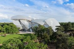 FONDATION LOUIS VUITTON BY GEHRY PARTNERS