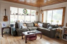 Tristan Prettyman's bungalow. What a beautiful & inspiring home! - A Songwriter's Surf Hideaway - WSJ.com