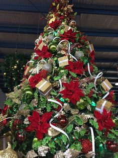 Traditional Tree – Miss Haberdash Christmas
