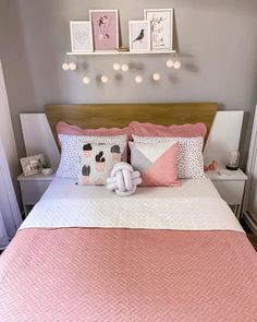 Cozy Teen Bedroom, Teen Bedroom Designs, Room Design Bedroom, Room Ideas Bedroom, Small Room Bedroom, Home Decor Bedroom, Bedroom Frames, Cute Room Decor, Wall Decor