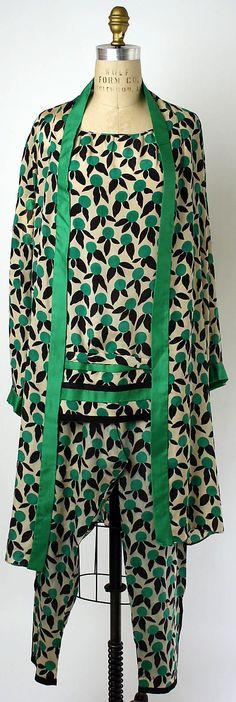 1928 silk Loungewear by Edward Molyneux, French.