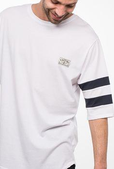 CAMISETA KAOTIKO RAYAS BLANCO · Camisetas, sudaderas, pantalones, calzado y complementos urban style en la tienda online de Kaotiko