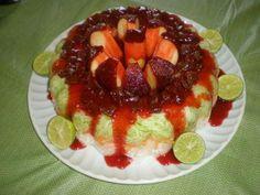 Rosca de Pepino, zanahoria y jícama con chamoy, manzana envuelta en tamarindo